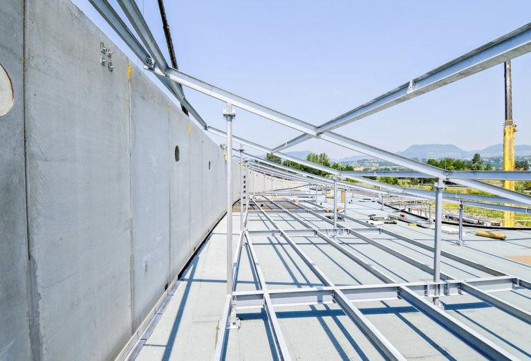 Ossature métallique, toit siège social